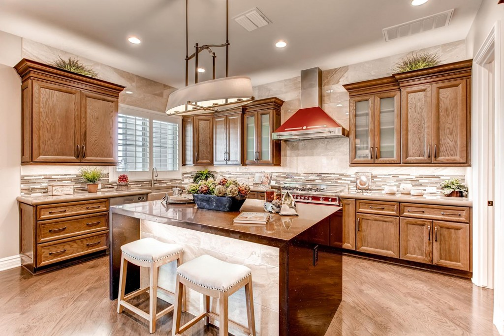 One example of Virtuance's amazing treated real estate photos of a kitchen.